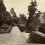 766px-Brogi,_Carlo_(1850-1925)_-_n._10142_-_Lago_di_Como_-_Cadenabbia_-_Giardino_della_Villa_Carlotta