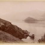 Brogi,_Carlo_(1850-1925)_-_n._9043_-_Lago_di_Como_-_Veduta_da_mezzogiorno_del_bacino_di_Tremezzino